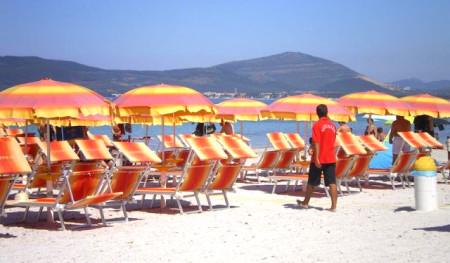 Obrelloni nella spiaggia convenzionata con Actinia Accomodation B&B Alghero